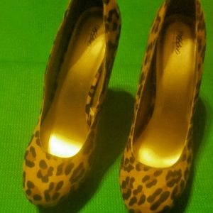Women's leopard print Mossimo Pumps